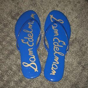 New Sam Edelman blue patent flip flops